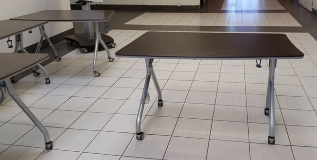 Global Bungee Middle Modular Table